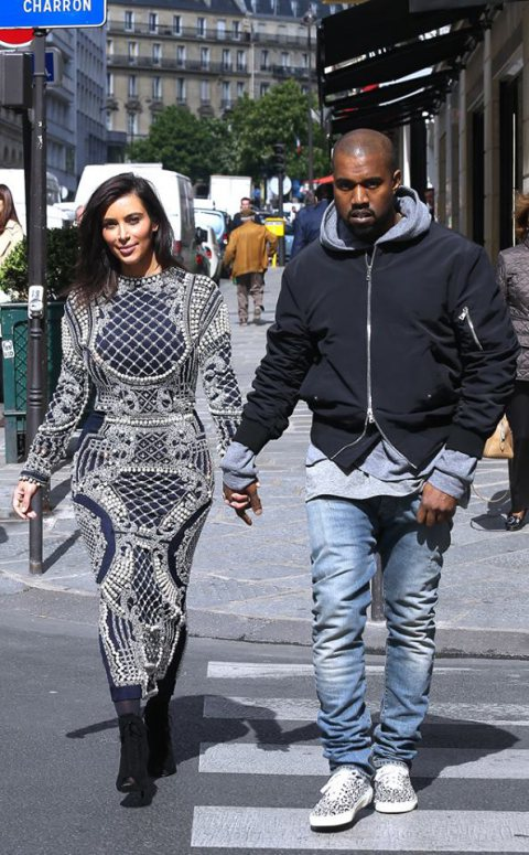 Kim Kardashian shopping in Paris!