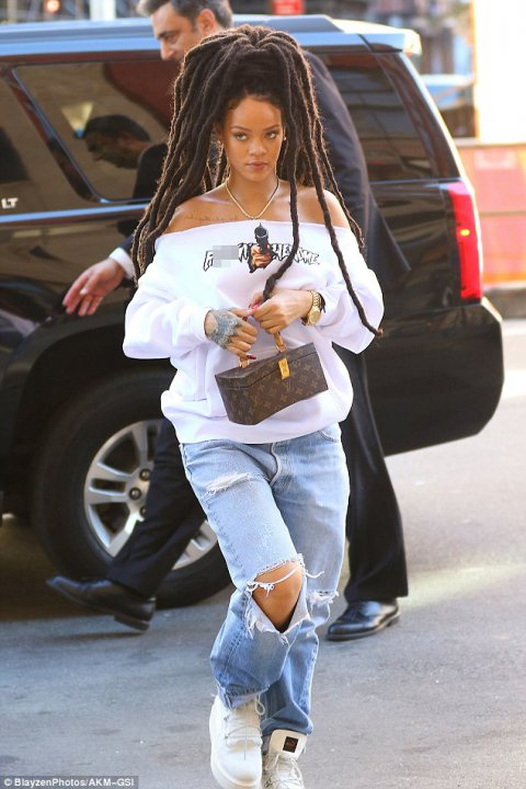 Rihanna Rocks New Dreadlocks
