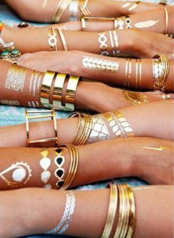 Flashy Fashion Accessories