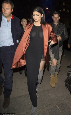 Kylie Jenner Style in London!