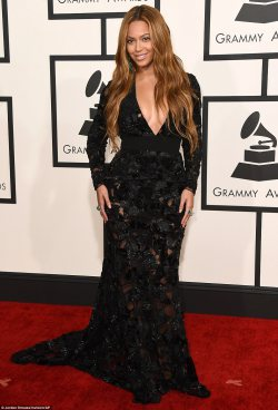 Red Carpet Fashion at the Grammy Awards 2015!