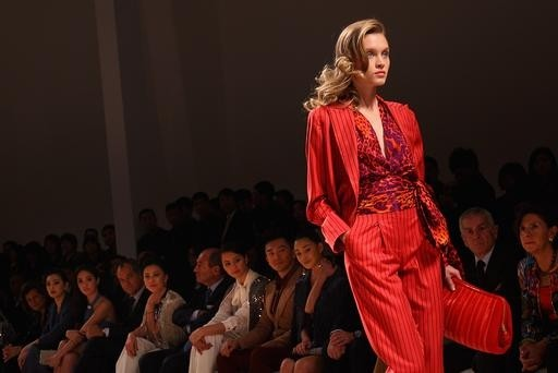 The Red tailored pants suit trend