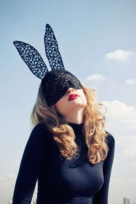 The lace bunny ears head accessory