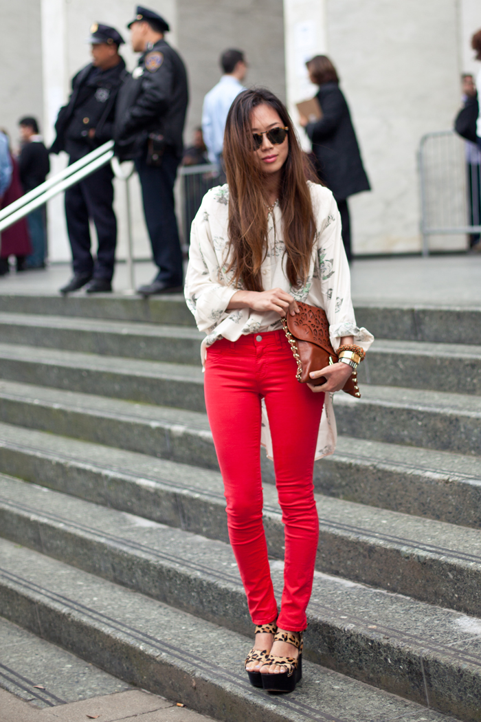How to wear coloured jeans with LUXO