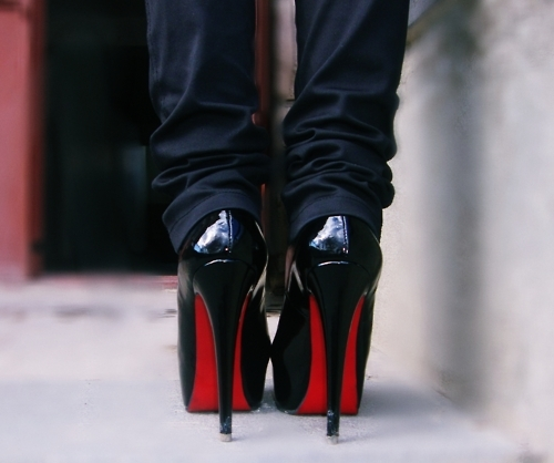 Christian Louboutin Manicure on luxo