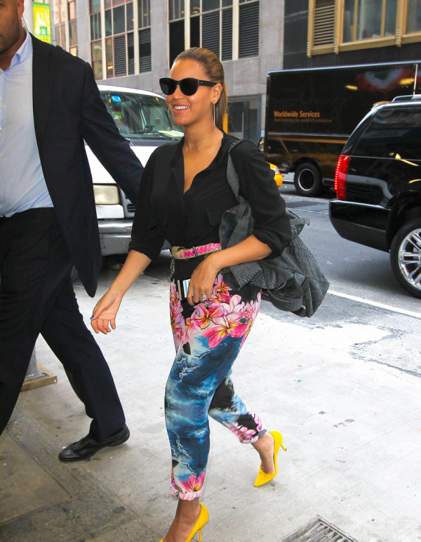 Beyonce for the neon trend 2012