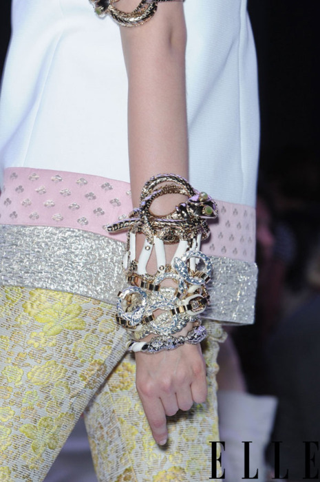 Arm Candy fashion trend on LUXO