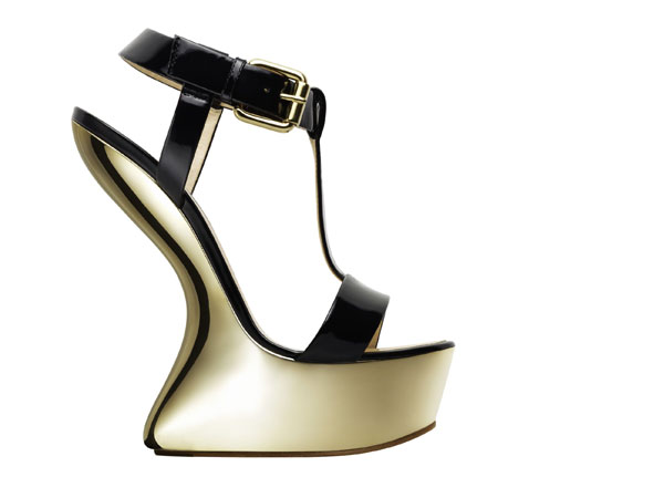 The Heel-Less shoe trend on luxo