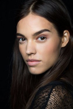 "The ""No Makeup"" Makeup Trend at NYFW"